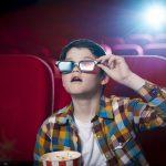 Lei determina que cinemas de SP tenham sessões mensais adaptadas a crianças autistas